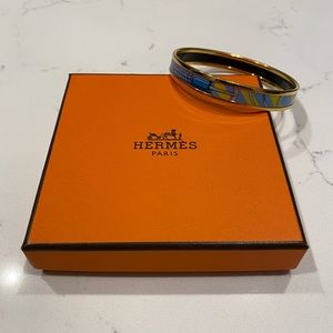 Fabulous Hermès bangle- size about 2.5 inches